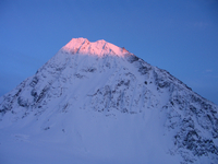 Alpenglow in Alaska (DI01435), Photo by Nicole Gordon