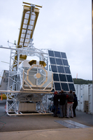 Installing solar panels on the Sunrise gondola (DI02002)