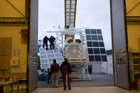 Installing solar panels on the Sunrise gondola (DI02004)