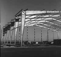 Construction of Jeffco hangar, 1970 (DI02093)
