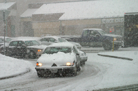 Snow storm slows traffic (DI02115)