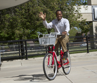 UCAR employee tries out a Boulder B-Cycle bike (DI02574)